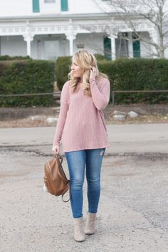 Blush pink top, jeans & booties for an easy everyday outfit | Pearls & Twirls