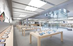 Apple store by Bohlin Cywinski Jackson, New York City #store #design