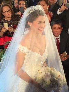 Everything You Need To Know About Throwing The Perfect Wedding Bridal Veils And Headpieces, Bridal Tiara, Wedding Veils, Michael Cinco, Dream Wedding Dresses, Bridal Dresses, Marian Rivera Wedding Gown, Designer Wedding Gowns, Celebrity Weddings