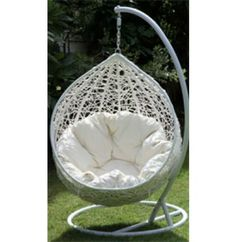 Hanging Egg Chair Outdoor Rattan Wicker White I want this NOW