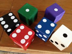 Yard Dice Set5 Espresso Colored Dice with Yard-zee game cards