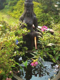 garden goddess on Maui