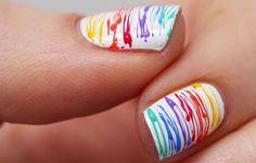Diseños de uñas con esmalte fácil, diseños de uñas con esmalte.   #diseñouñas #decoratednails #uñasdiscretas