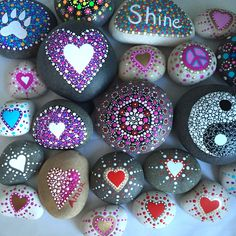 I love this loving month! Going to be spreading Heart rocks instead of Peace rocks for the next week or so and then bac. Stone Art Painting, Heart Painting, Mandala Painting, Pebble Painting, Dot Painting, Pebble Art, Painting Patterns, Cement Crafts, Mosaic Crafts
