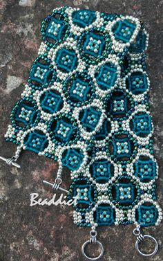 O. mosaic bracelet beaded by Beaddict. Pattern: Rachel Nelson-Smith. seed beads lace, beadweaving