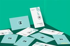 free visiting card design mockup in scattered view