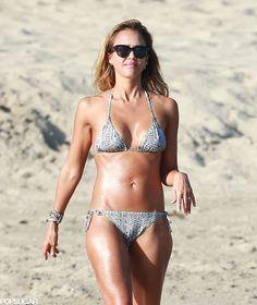 Jessica Alba's Bikini Body Will Inspire Your New Year's Resolution