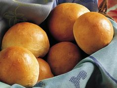 the most perfect dinner roll recipe - and you make the dough in the breadmaker.  Perfection!