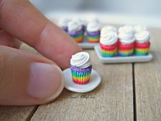 Rainbow Cupcakes Miniature - Dolls House Miniature Food - Bakery Item for Doll House Scale - Made in the UK Cute Polymer Clay, Cute Clay, Polymer Clay Miniatures, Polymer Clay Charms, Dollhouse Miniatures, Miniature Crafts, Miniature Food, Miniature Dolls, Miniature Houses