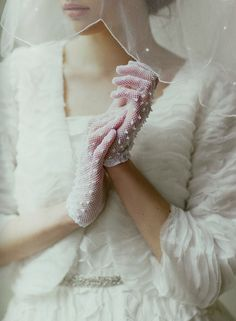 I want gloves to come back into everyday style..