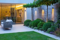 Contemporary Garden design alteration and refurbishment with modern planting sch. - Contemporary Garden design alteration and refurbishment with modern planting scheme in Wandsworth, London by Matt Keightley and Rosebank Landscaping. Contemporary Garden Design, Small Garden Design, Patio Design, Garden Modern, House Garden Design, Urban Garden Design, Modern Gardens, House With Garden, Big Garden