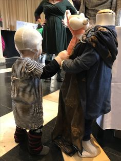 2nd Flemish Babywearing Conference in Antwerp 2017. Limited Edition Doll Sling Prima Star