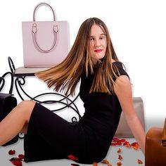 www.virtucugat.com Photography #FelipeZS #virtucugat #brandbags #streetstyle #luxurybagbrand #fashionable #trendyfashion #trendybags #trending