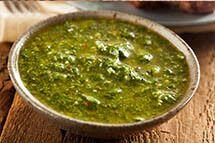 Saiba como preparar o molho chimichurri por Academia da carne Friboi