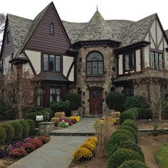 16 New Ideas For Exterior House Brick And Stone Tudor Cottage Casa Estilo Tudor, English Tudor Homes, English House, English Cottage Exterior, Tudor House Exterior, Dream English, English English, English Style, Architecture Design