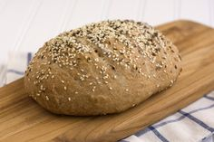 How to Make (Easy) Whole-Grain Artisan Bread - Bread Recipes, Real Food Recipes, Cooking Recipes, Yummy Food, Cooking Bread, Bread Baking, Crock Pot Bread, Bread Bun, Yeast Bread