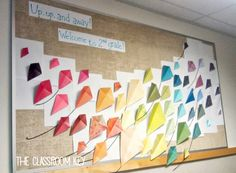 Gorgeous Classroom Bulletin Board Ideas - The Classroom Key Bird Bulletin Boards, Colorful Bulletin Boards, Reading Bulletin Boards, Winter Bulletin Boards, Preschool Bulletin Boards, Classroom Bulletin Boards, Preschool Classroom, Library Book Displays, Classroom Displays