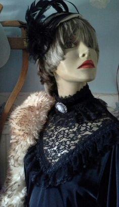 Traje seculo passado Criação de Eliane Lago http://artesanne-artes.blogspot.com/