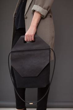 The Stop Bag by Chiyome | Amazing Minimal & Chic Design https://www.chiyome.com/catalogue/stop-bag_15/  модные брендовые, http://bags-lovers.livejournal.com/