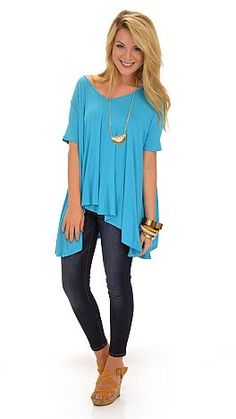 We are pretty much obsessed with these tees! $29 at shopbluedoor.com!