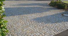 granitpflaster in einfahrt