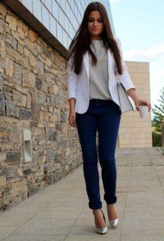 15 beste afbeeldingen van Navy pants outfits Blauwe broek