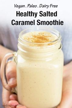 Salted Caramel Smoothie (Vegan, Dairy Free, Paleo) Healthy Salted Caramel Smoothie – Smooth, creamy and delicious this salted caramel smoothie … Smoothie Bowl Vegan, Vegan Smoothie Recipes, Vegan Breakfast Recipes, Dairy Free Smoothie, Vegan Breakfast Smoothie, Low Carb Granola, Weight Watchers Desserts, Menus Healthy, Healthy Recipes