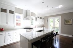 Paint color for kitchen - try Valspar's Weekend in the Country (ar218