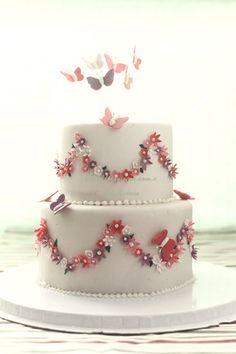bird+and+buttery+fondant+cake | 5371811229_f7bbcdf022.jpg