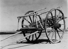 Squeaky wheels - one of the signature characteristics of the Red River ox carts that hauled bison furs from the Dakota Territory to St. Indigenous People Of Canada, Bullock Cart, Indian Saints, Chuck Wagon, Canadian History, Red River, First Nations, American Indians, The Originals
