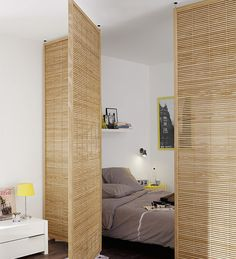 Bed separation in studio apartment room decor diy wall small spaces Cloison amovible, cloison coulissante, meuble cloison, paravent. Apartment Decor Inspiration, House Interior, Apartment Room, Apartment Decor, Small Spaces, Home, Interior, Apartment Design, Studio Apartment Decorating