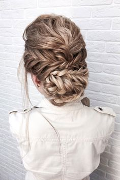 Beautiful braids with updo wedding hairstyle inspiration #weddinghair #hairstyle #hairideas #bridalhair #frenchchignon #messyupdo #braids #braidupdo #braided #updohairstyles