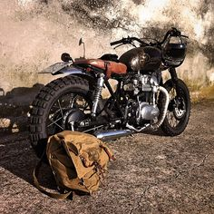 Dama - Davide Biondi Kawasaki W650 Click the photo to read about and to see more