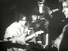 Diese Instrumentalnummer war im Sommer vor 54 Jahren der Hit: Mit 'Apache' fuehrten 'The Shadows' 1960 mehrere Wochen lang die Charts an. #1960er #60ies #Instrumental #Rock #Musik