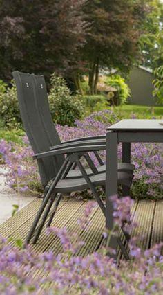 Fancy Wintergarten Bunte Kissen auf dem Loungeset von Hartmann Hartman Loungeset London Geflechtm bel u viele weitere Gartenm bel gibt us bei Garten u