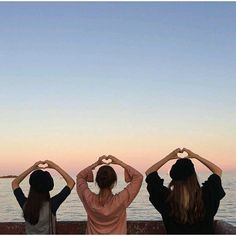 Foto Best Friend, Best Friend Pictures, Best Friend Goals, Photos Bff, Bff Pictures, Friend Poses Photography, Girl Photography, Korean Best Friends, Bff Girls