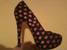 Crne cipele sa pink srcima... Jako otmeno