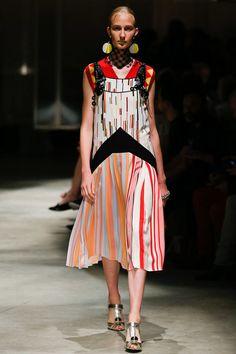 Prada Spring 2016 Ready-to-Wear Collection - Vogue