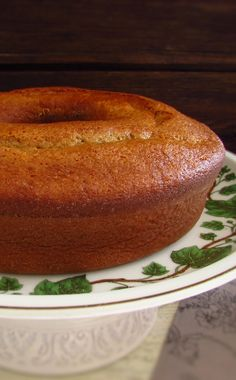 This banana cake recipe will amaze them! It's a very simple cake to prepare, delicious and is perfect to be served with coffee or tea! Croissant, Food For Thought, Cookies, Baked Potato, Portugal, Food And Drink, Baking, Fruit, Ethnic Recipes
