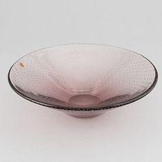 Gunnel Nyman, skål, glas, signerad G. Nyman Nuutajärvi Notsjö. - Bukowskis Glass Design, Design Art, Bukowski, Modern Contemporary, Decorative Bowls, Retro Vintage, Home Decor, Auction, Decoration Home