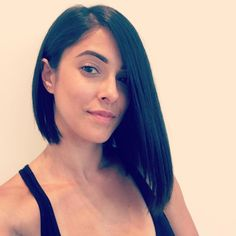 This sleek & angled asymmetrical hairstyle will help you channel your inner girl boss.