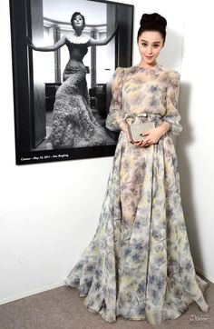 LOOOOVEEE the dress!!!!!!!!!!!!!!Fan Bingbing in Valentino Couture, Cannes Film Festival, 2012