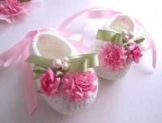Beaded crochet baby booties