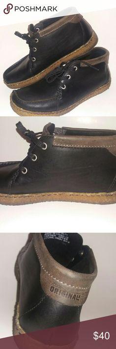 Clarks Originals Wallabee black shoes Men's or young mens  wallabee black lace up shoes in excellent pre loved condition. Clarks Shoes Oxfords & Derbys
