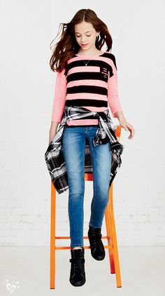 Style we ❤: Striped tees with wow-now pocket details, super stretchy skinny jeans and plaid button-ups tied around the waist.