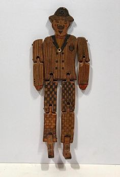 Articulated Dancing Man Wood Toy : Lot 0108