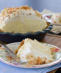 Simple Banana Cream Pie Recipe   ASpicyPerspective.com #pie #banana #easydessert