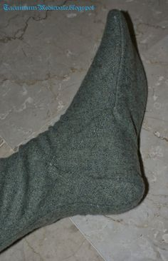 Calze femminili medievali / Female medieval hoses