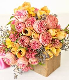 love the garden roses but we can subsitute them for yellow ones too!