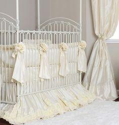 Crème Silk Rose Crib Bedding